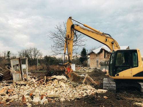 Visitez notre site web pour tout projet de démolition en Savoie